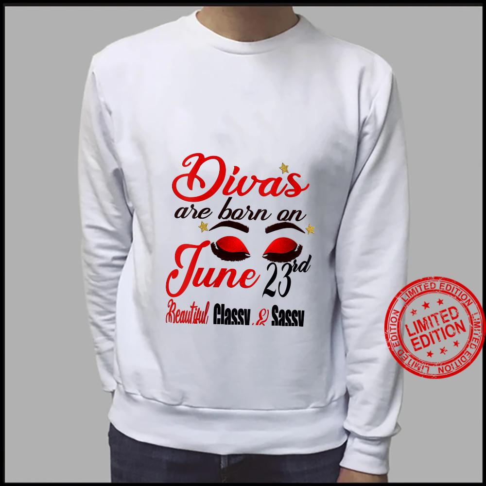 Womens Divas Are Born On June 23rd Cancer Girl Astrology June Shirt sweater